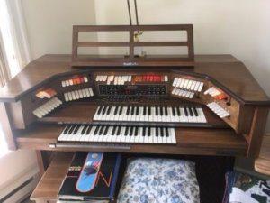Spinet Organ